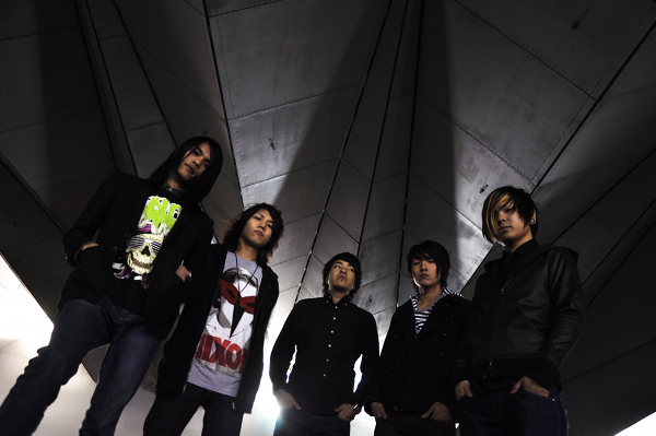 Pressefoto CROSSFAITH Album The Artificial Theory for The Dramatic Beauty 2010